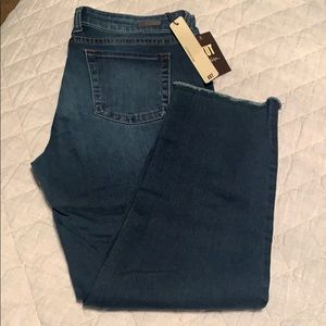 Kut from the Kloth skinny crop jeans. NWT